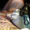 Як звести татуювання в домашніх умовах і не отримати зараження крові