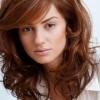 Який колір волосся підходить до карим очам найбільше?