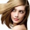 Світло-русявий колір волосся - хороший спосіб виглядати молодше своїх років.